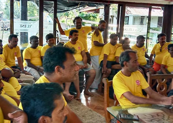 alleppey-houseboat-tours