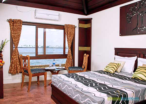 alleppey-boats