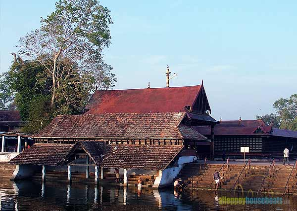 premium-houseboats-alleppey