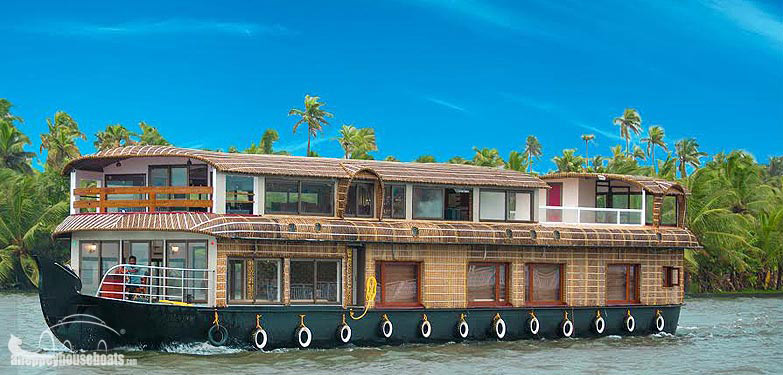 four-bedroom-luxury-kerala-houseboats