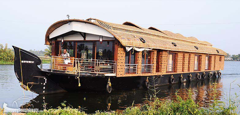 Three bedroowm deluxe kerala house boats